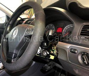 Volkswagen Golf Hatch 2006 ignition with trim removed